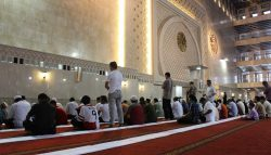 ما موضع وقوف الإمام والمأموم؟