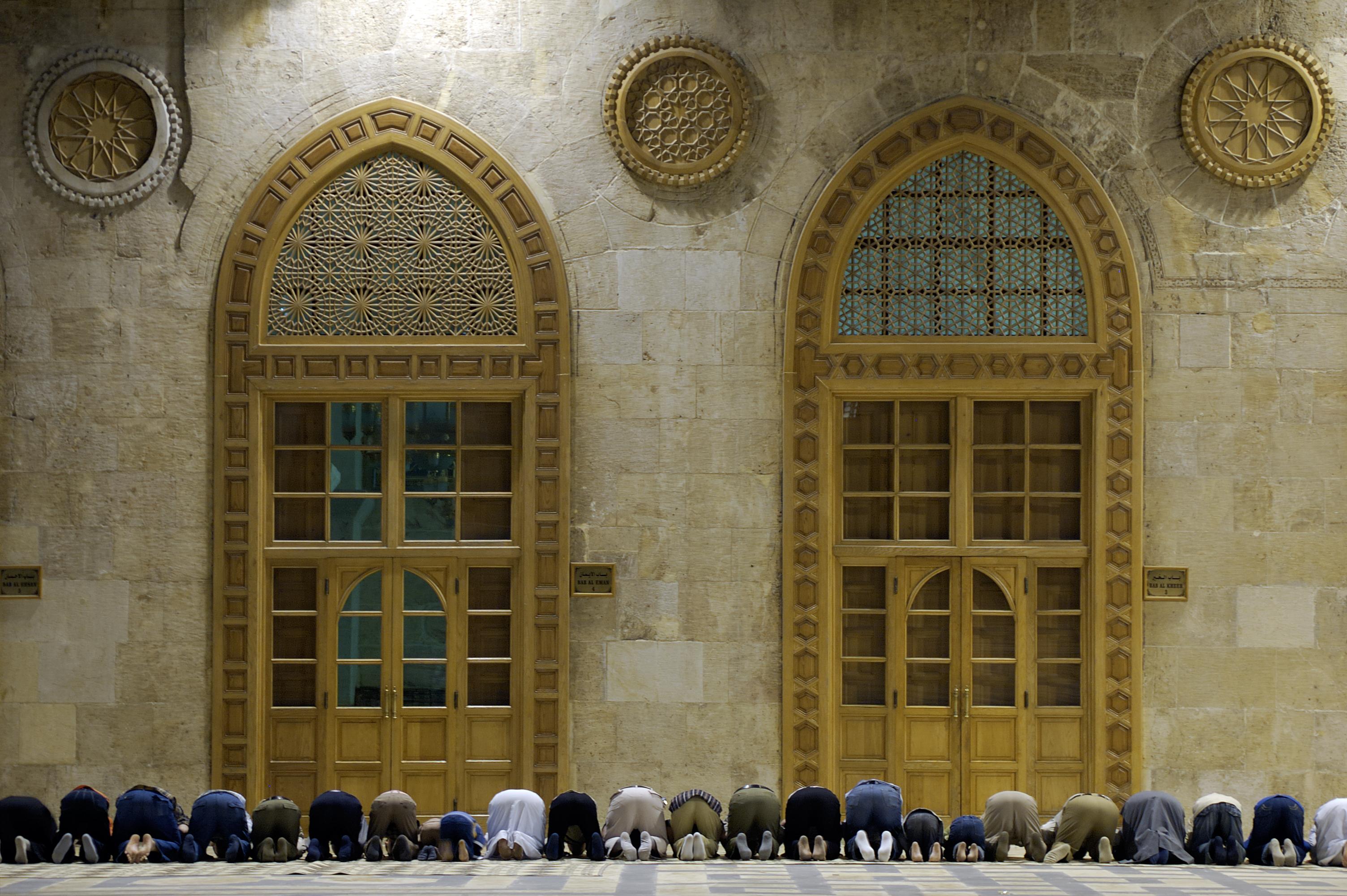 كيف نحبب أبناءنا في الصلاة
