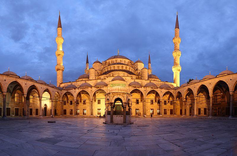 صورة للمسجد الأزرق بتركيا.