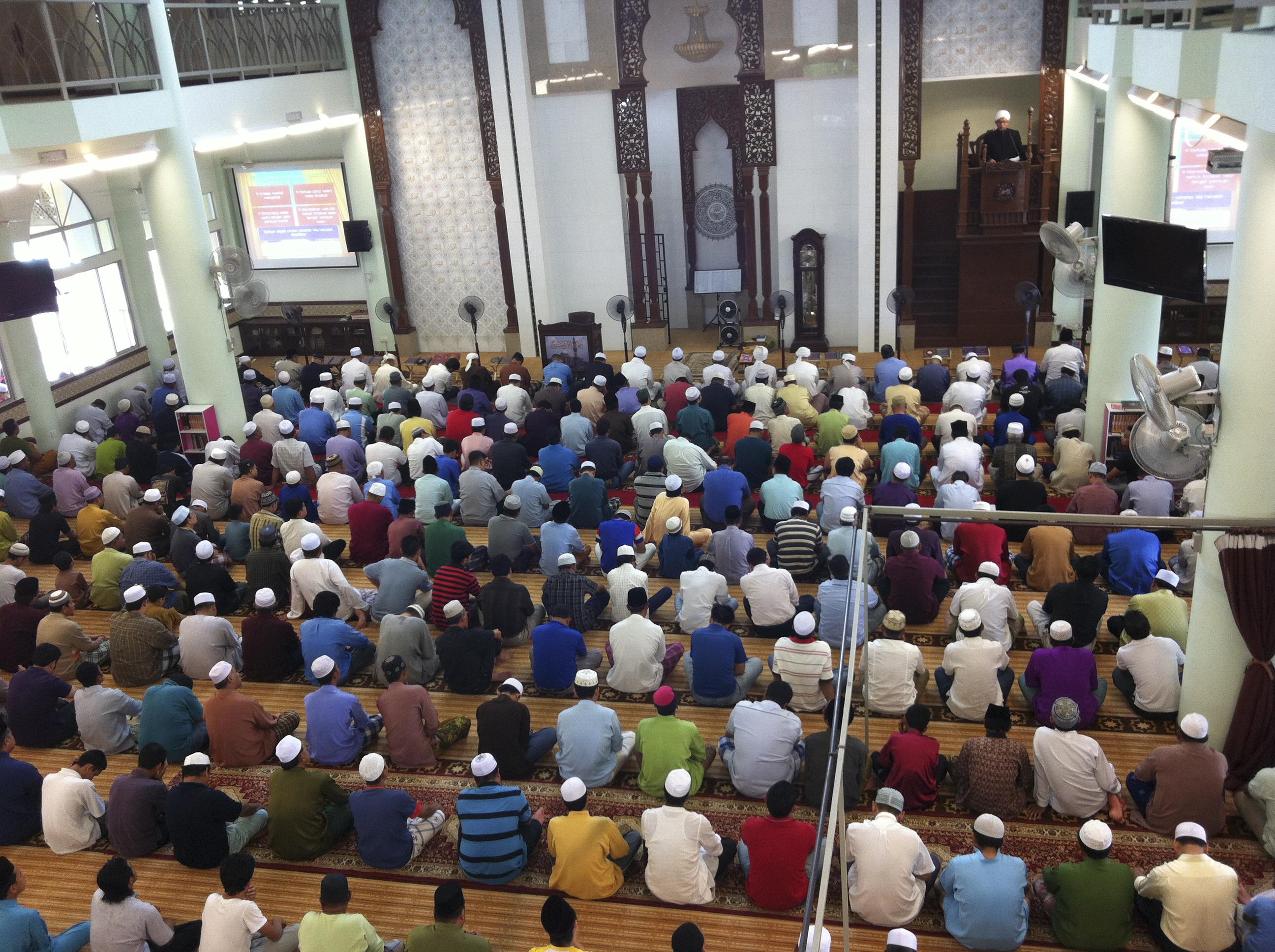 الأعذار المبيحة لترك الجمعة والجماعة