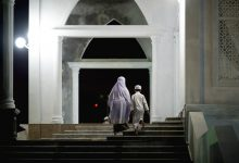 ما كيفية التعامل مع الأطفال في المساجد وما حكم إصطحابهم؟