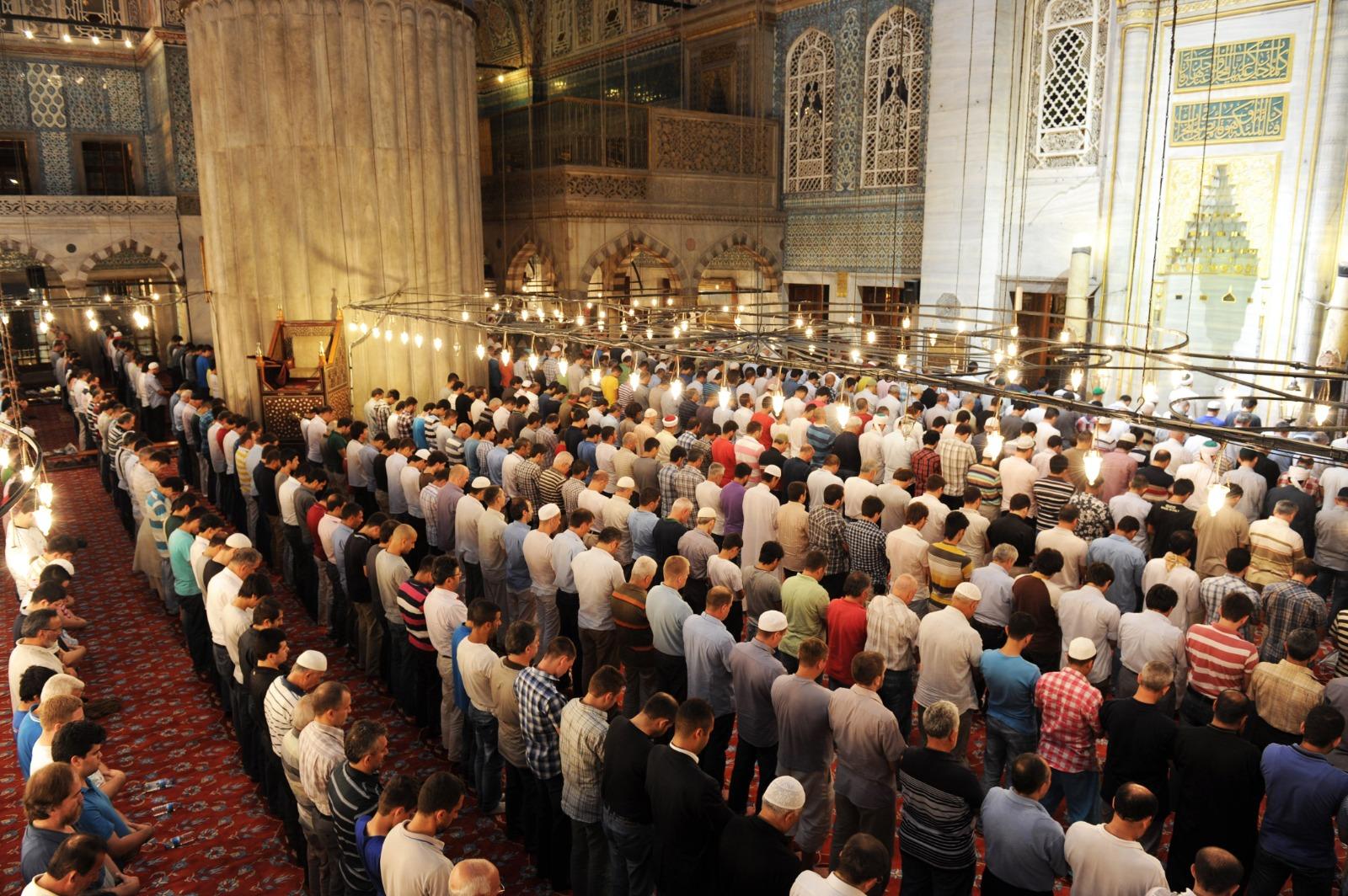 ما حكم تأخير الصلاة عمداً؟